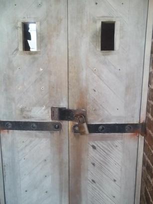 fort sumnter ghost door 2