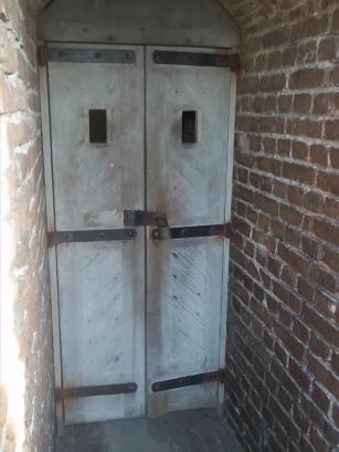 fort sumnter ghost door 1